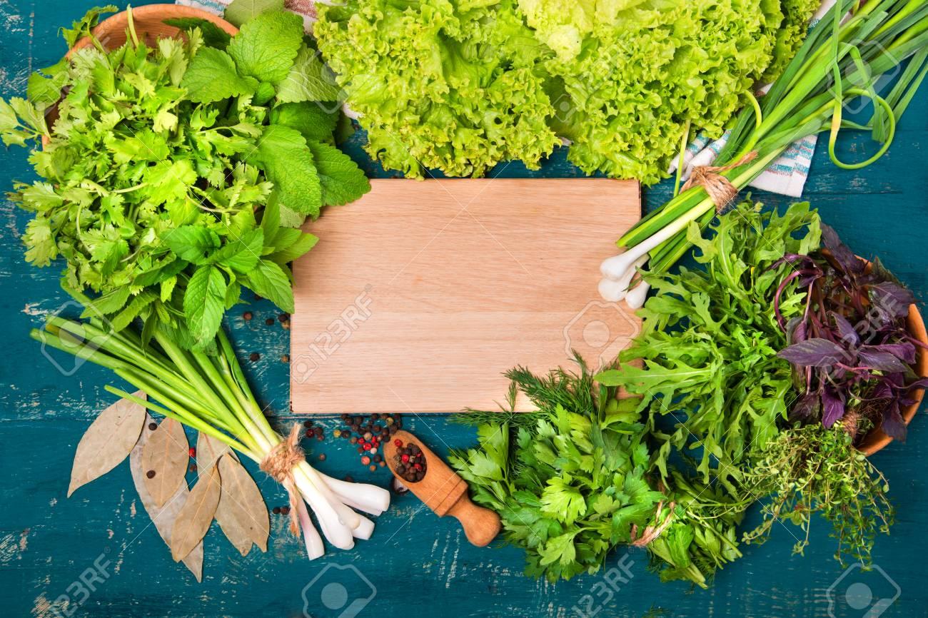 Lieblings Verschiedene Kräuter (Salat, Dill, Petersilie, Koriander) Auf &BC_94