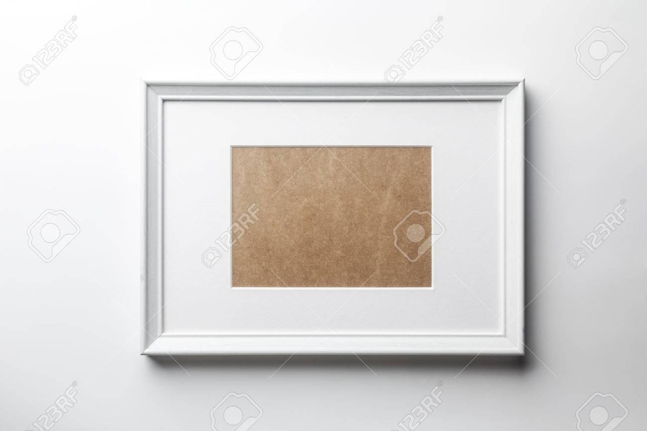 Weiß Schlicht Leer Holz-Bilderrahmen Mit Weißen Matte Passepartouts ...