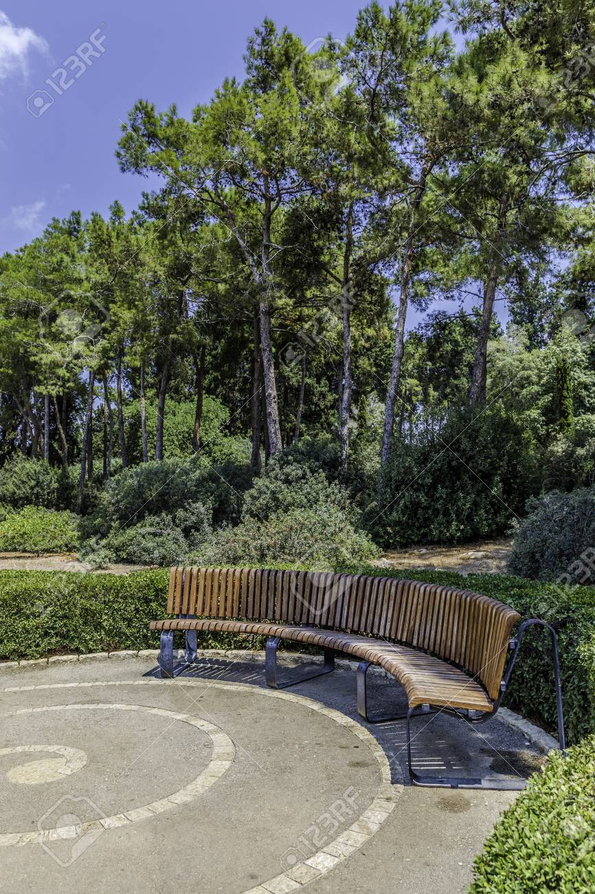 Fantastic Half Round Curved Crescent Shaped Bench In The Park With Trees Squirreltailoven Fun Painted Chair Ideas Images Squirreltailovenorg