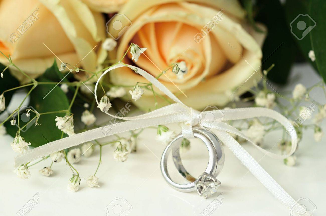hands peakpx bouquet flower silver image ring and wallpaper wedding free rings gold