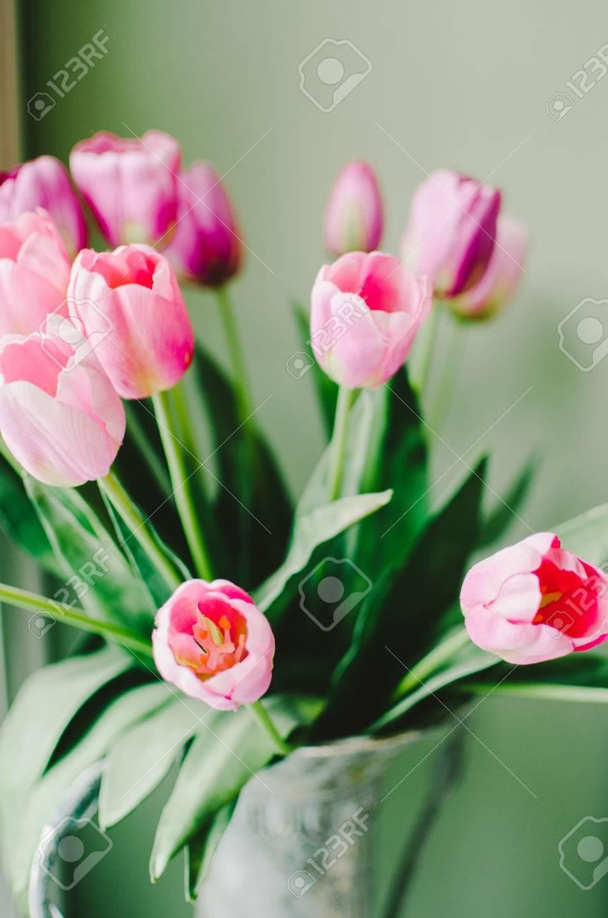 Arreglo Floral Rosado Del Tulipán