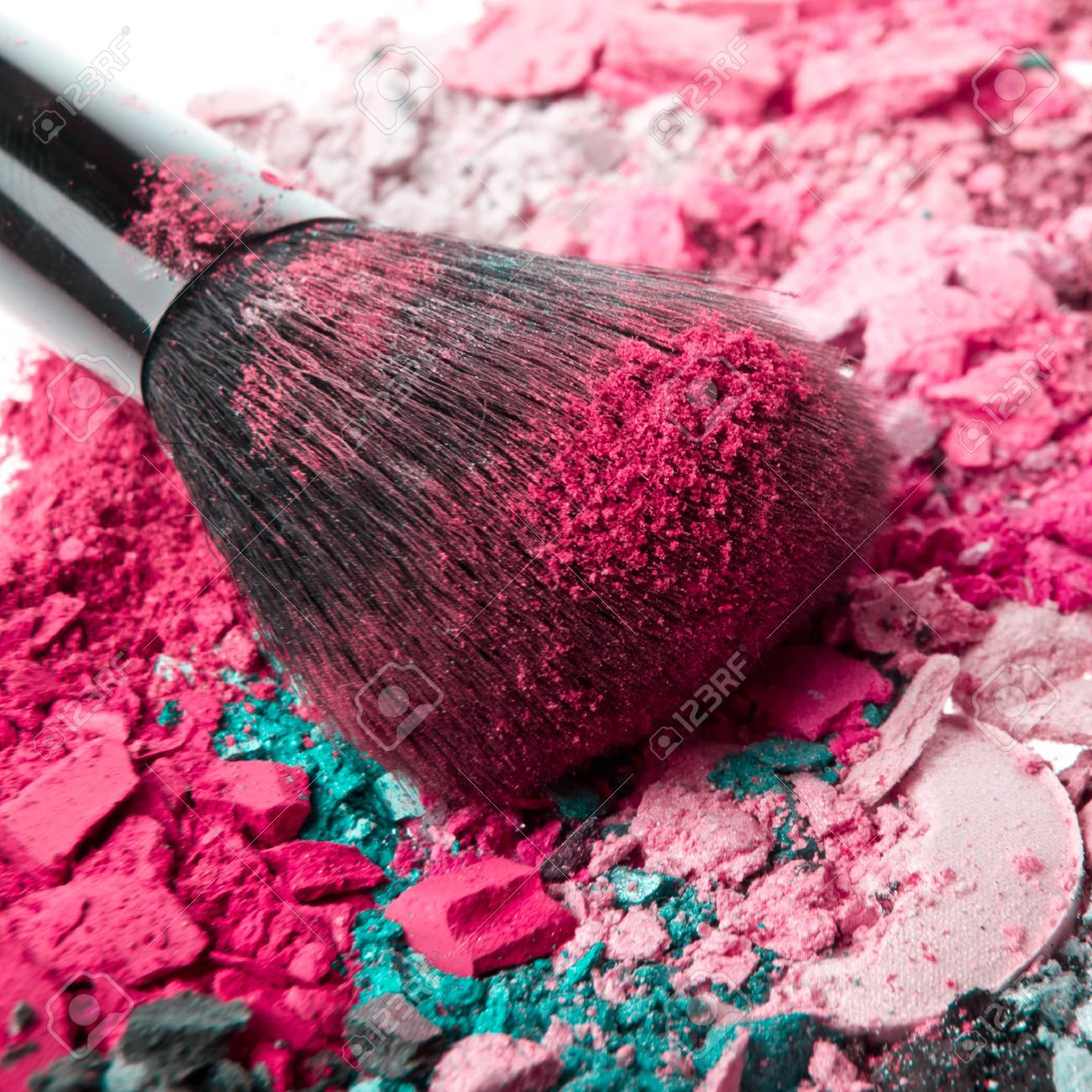 set of multicolor crushed eyeshadows with brush Stock Photo - 12632913
