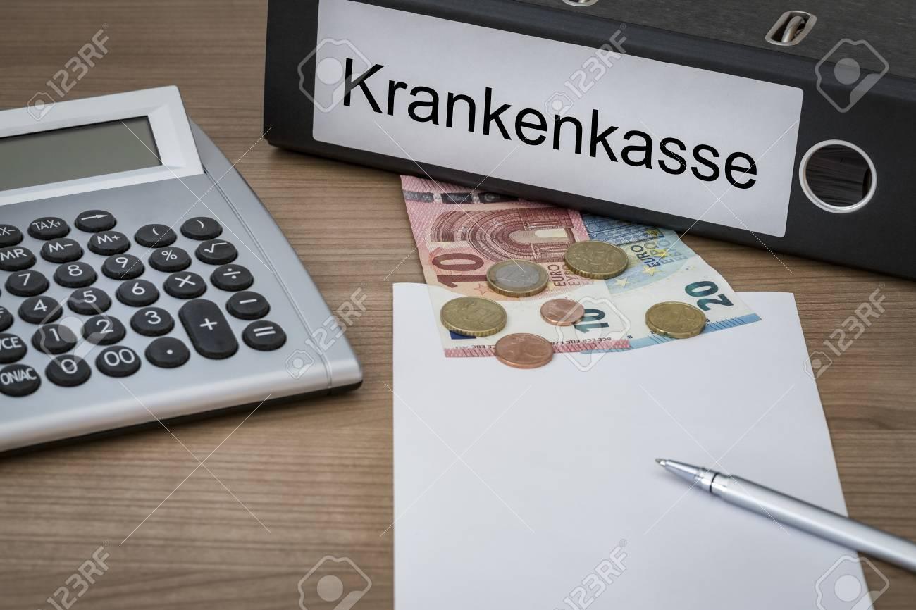 Paire de drapeau belge et allemand sur un bureau sur fond