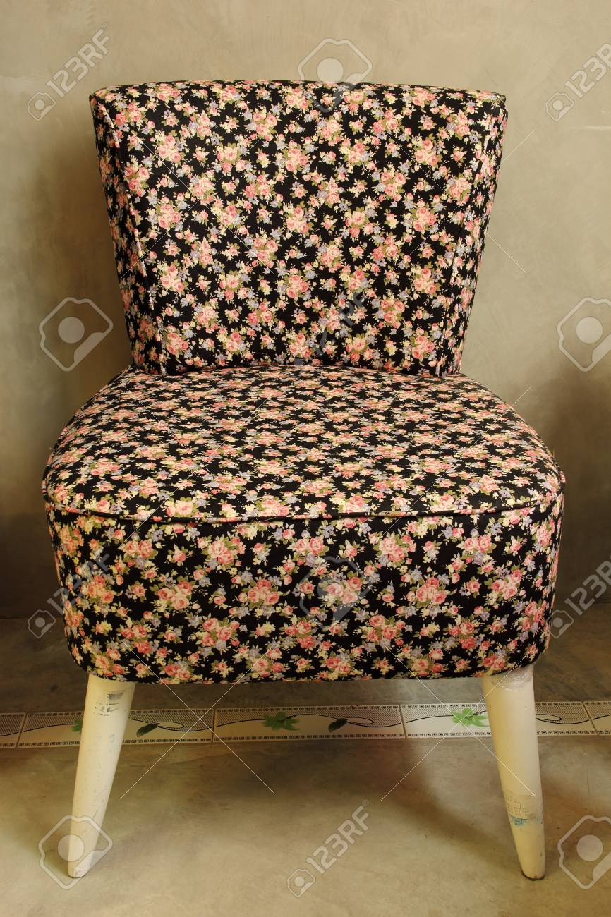 Vintage chair Stock Photo - 21071927