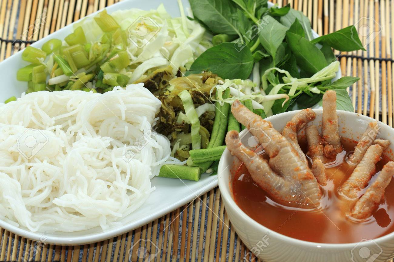 pics Thai Chicken Legs with Vegetables