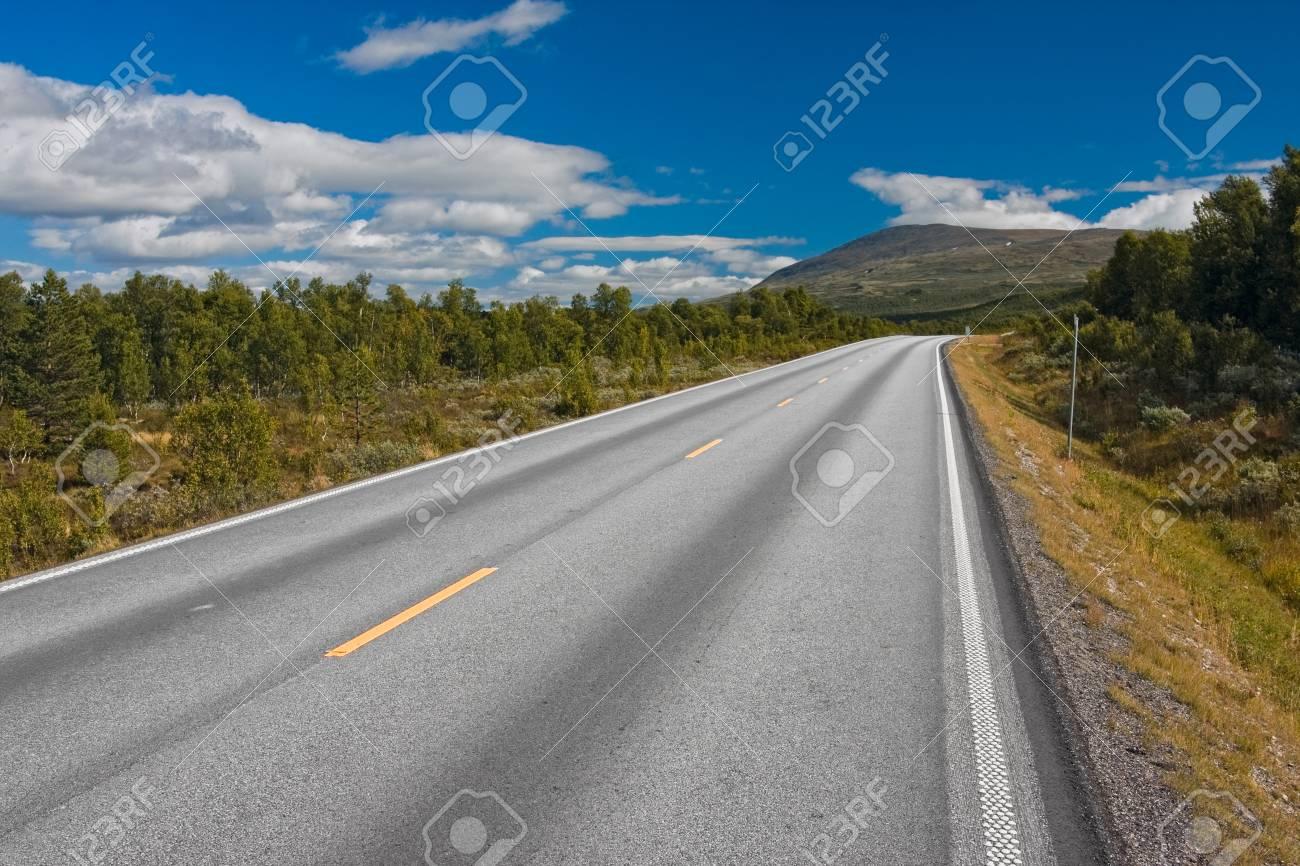 road in norway - 27821800