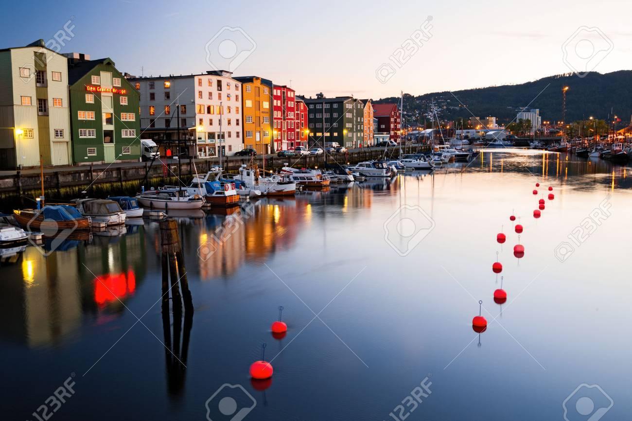 evening in Trondheim - 34051540