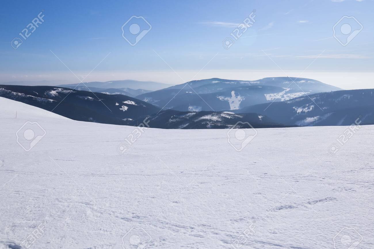 Landscape of the Giant mountains (Krkonose) in winter - 133182016