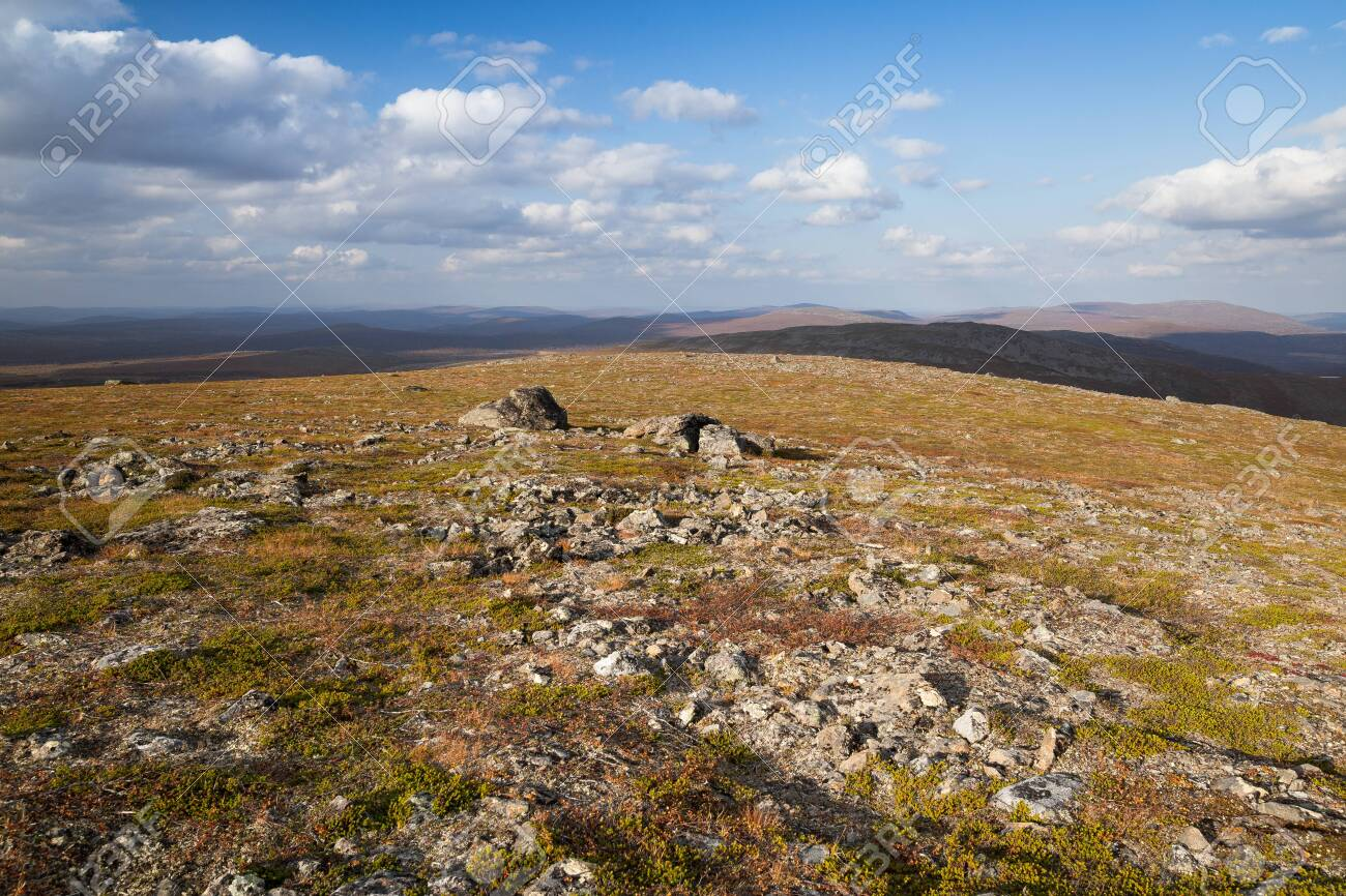 Autumn landscape over a mountain landscape in northern Finland - 133036488