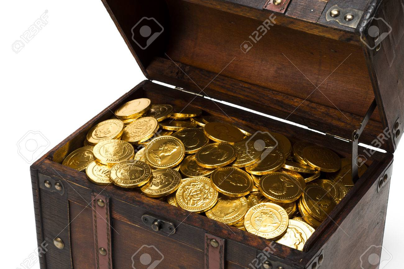 [Obrazek: 26526704-wooden-treasure-chest-with-gold-coins.jpg]