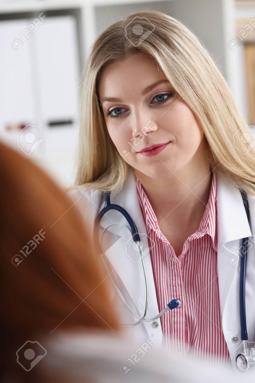 写真 女性 医学