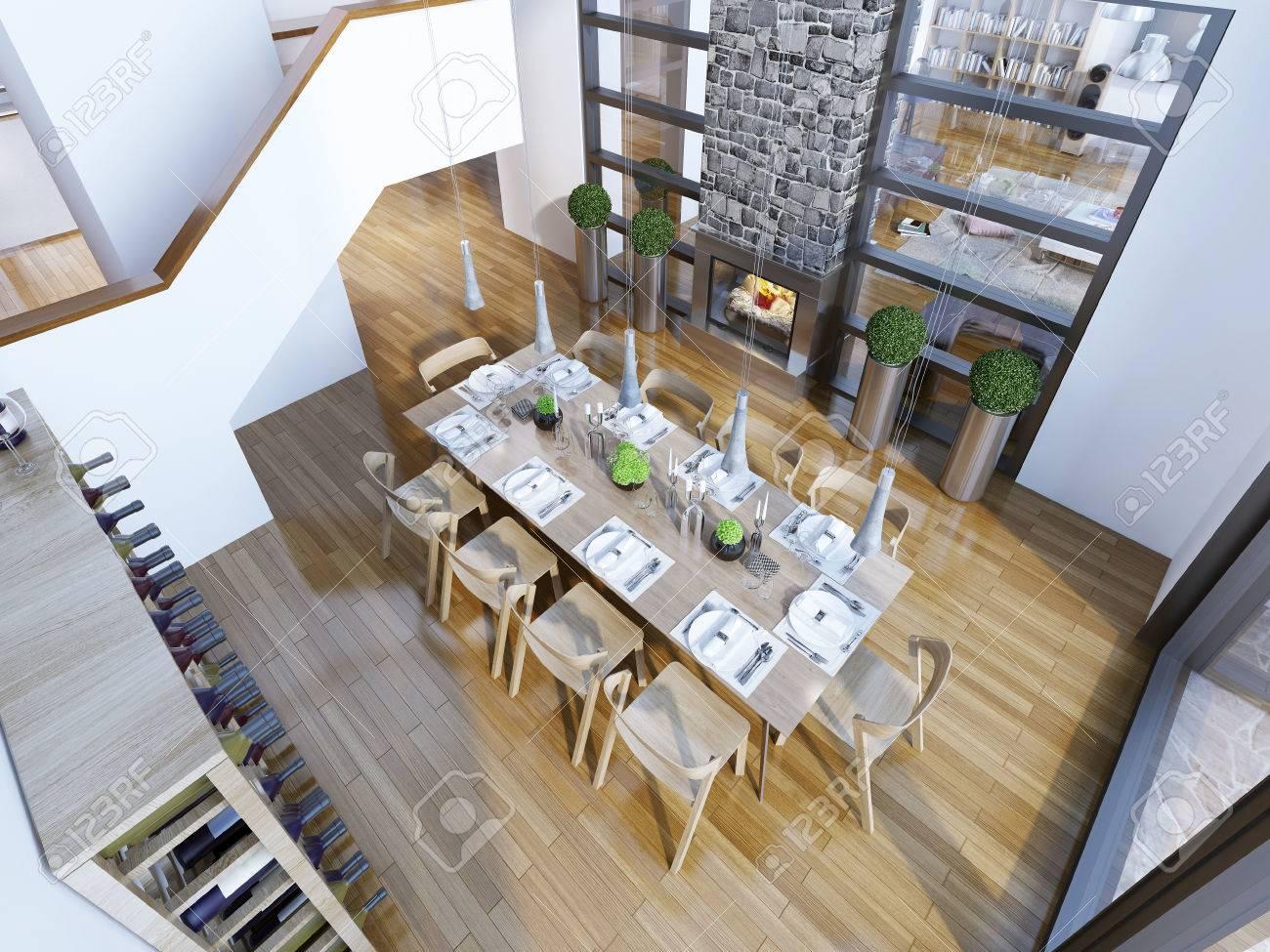 Idee Der Loft Stil Speisesaal. Draufsicht Auf Die Hohen Decken Esszimmer  Mit Tisch Serviert