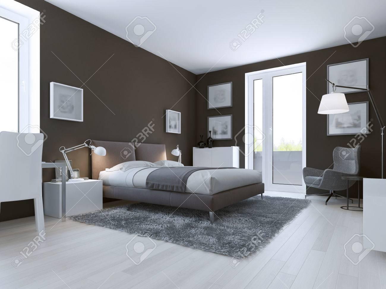 Moderne Schlafzimmer Design. Taupe Matt Wände, Doppel Gekleidet Bett Und  Zugang Zum Balkon.