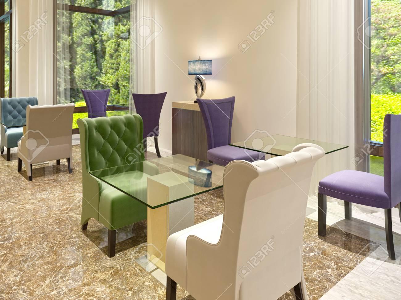 Das Moderne Design Der Cocktail Bar Im Hotel Mit Großen Fenstern. Farbige  Stühle Mit