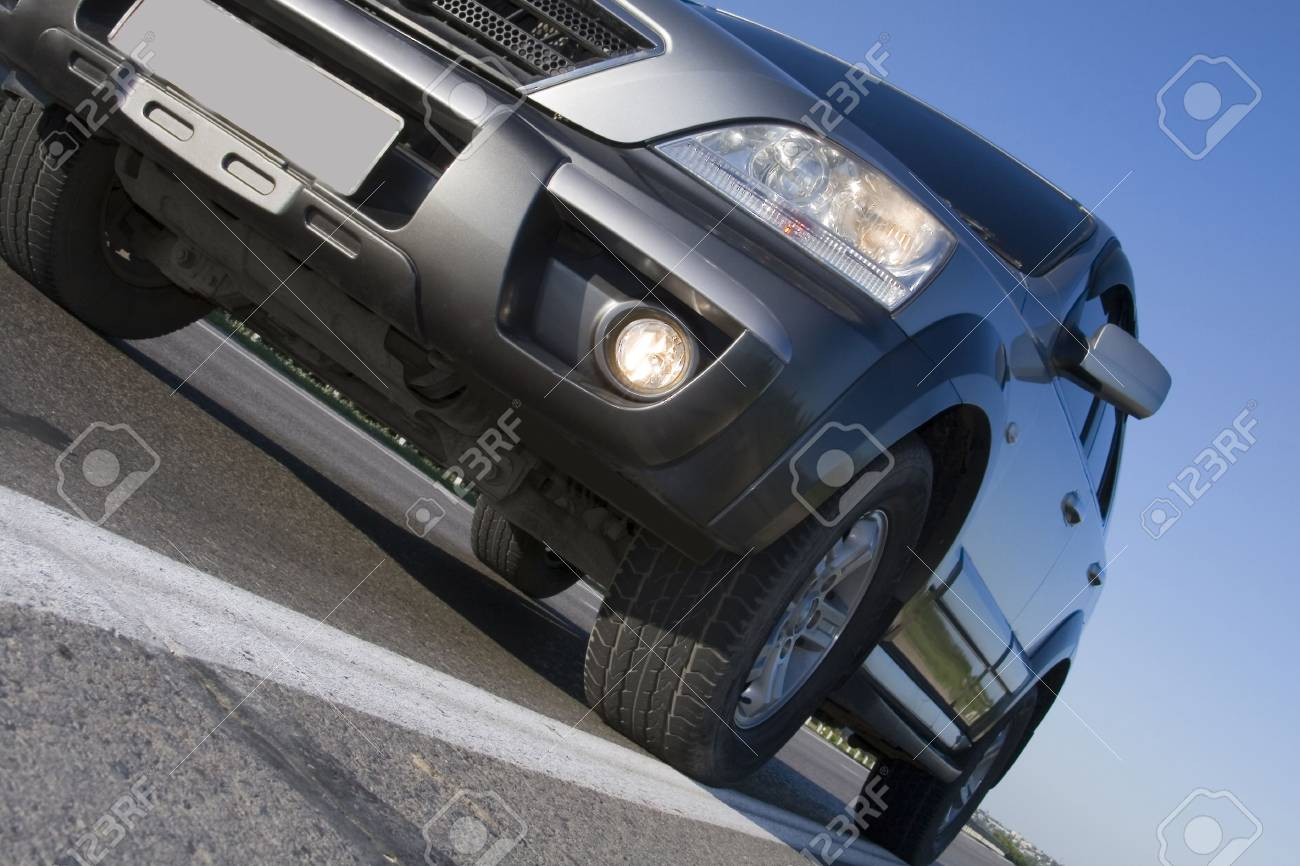 Modern SUV moving with motion blur Stock Photo - 5394373