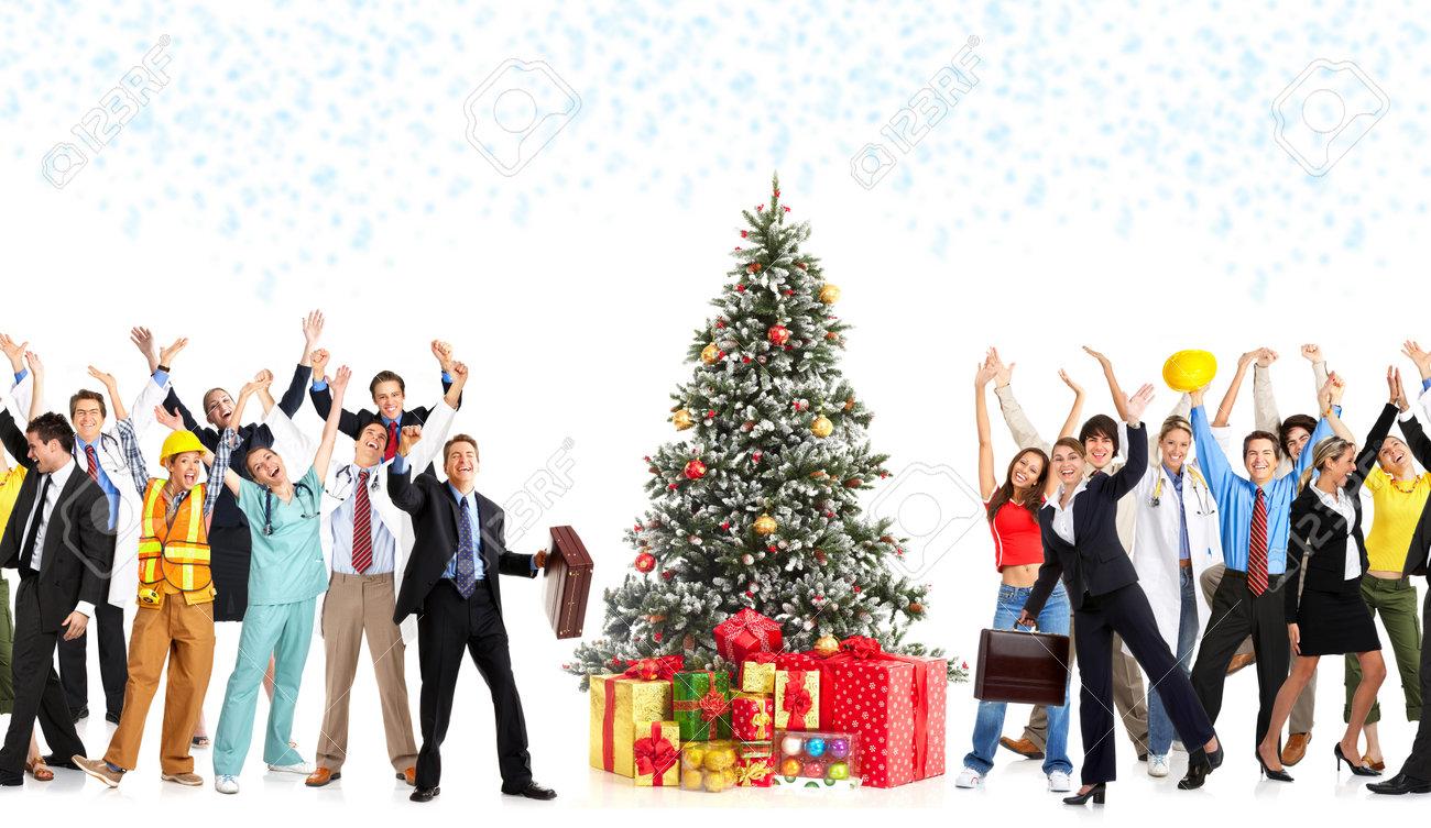Gente Feliz En Navidad.Gente Feliz De Los Trabajadores Y El Arbol De Navidad Sobre Fondo Blanco