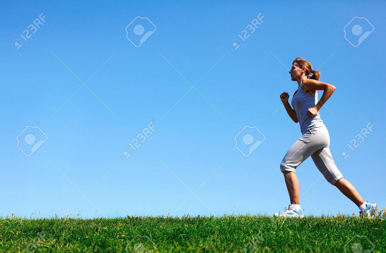 Jogging woman Stock Photo - 15412713