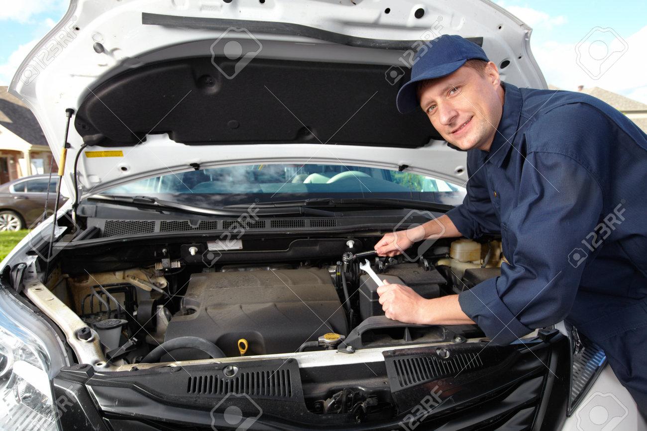 Professional auto mechanic Stock Photo - 15396883