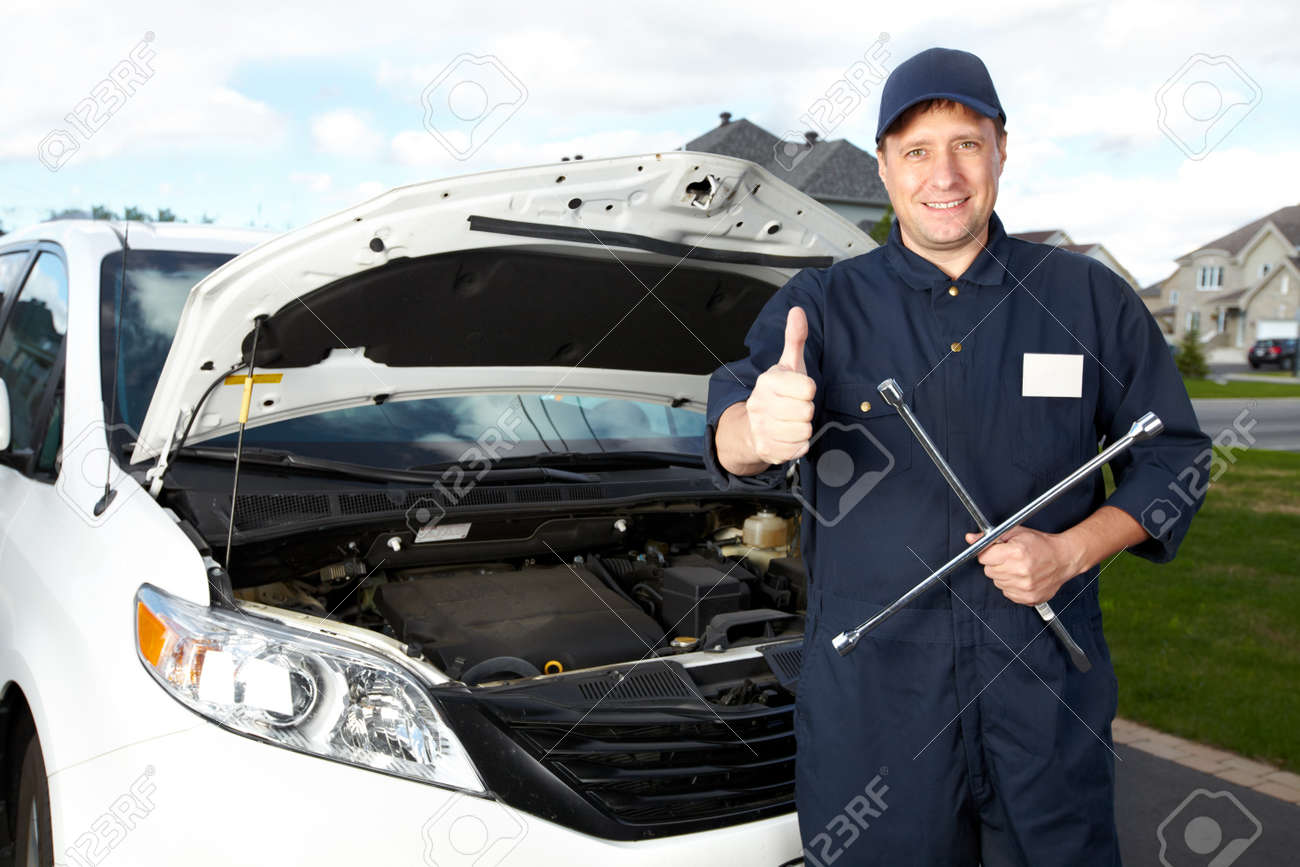 Professional auto mechanic Stock Photo - 16619494