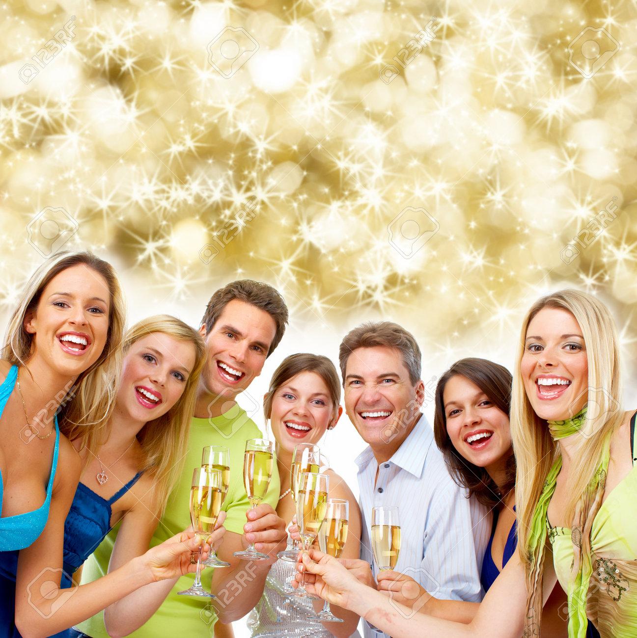 Gente Feliz En Navidad.La Gente Feliz Navidad Bebiendo Champan