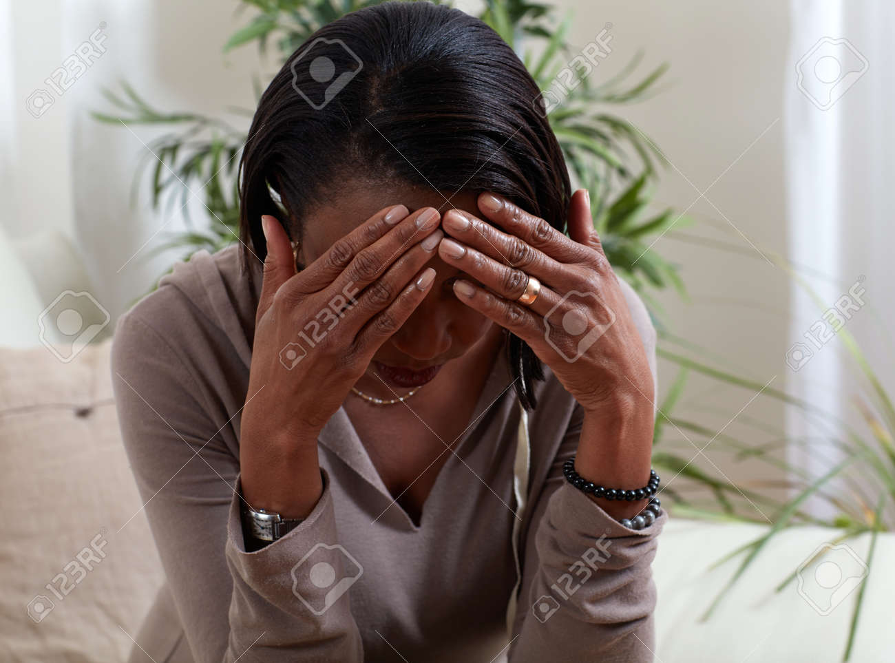 African-american woman suffering headache symptom. Health problem. Standard-Bild - 64468204