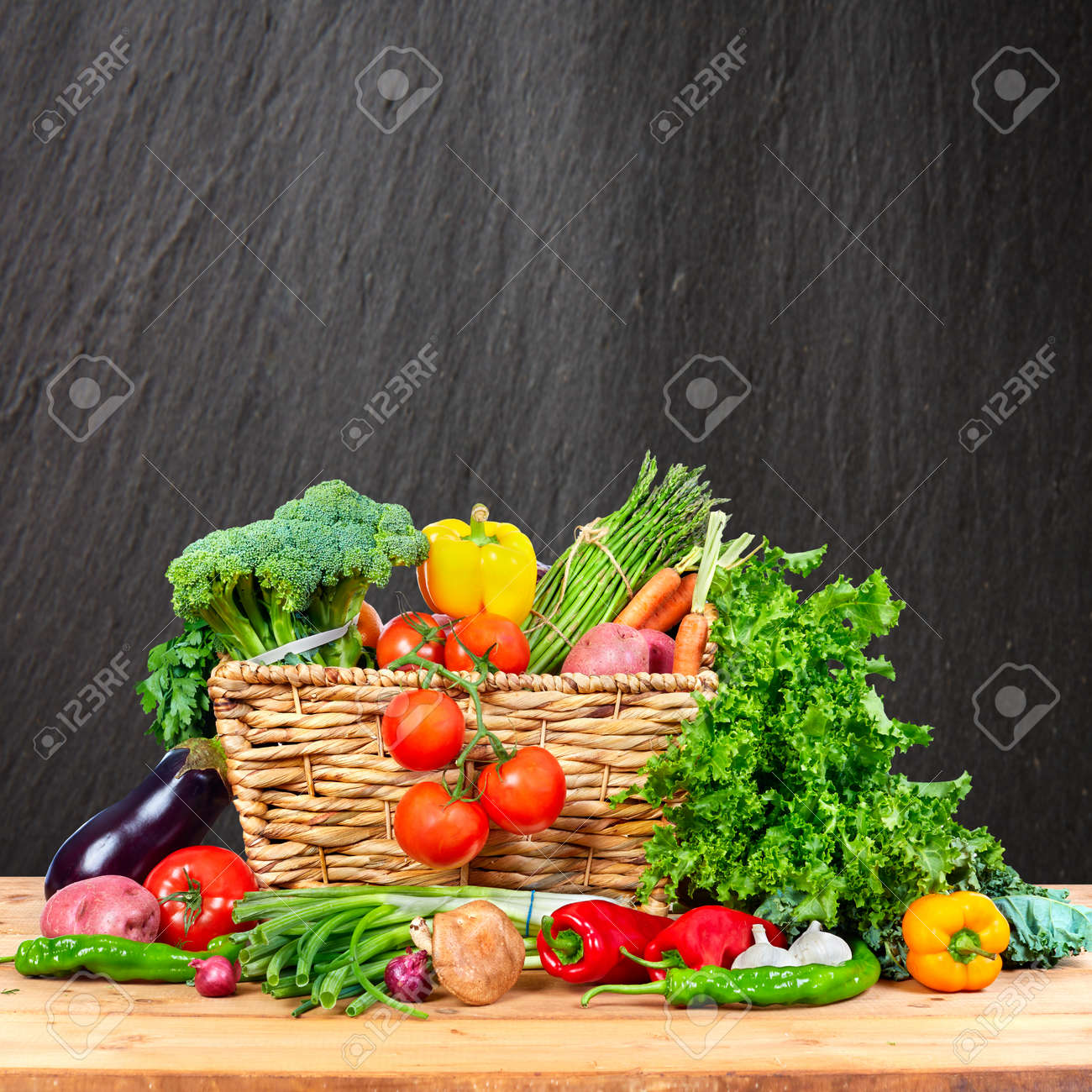 Organic vegetables variety on the table in kitchen Standard-Bild - 65806354