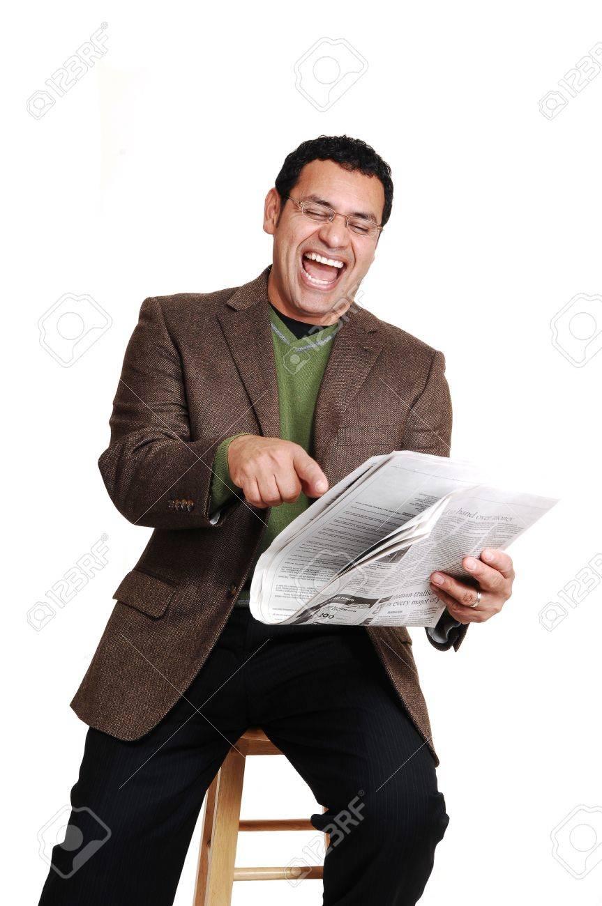 Periódico Y Edad Sentado Hombre De Leyendo Divertirse El Y Media Un w84qH4