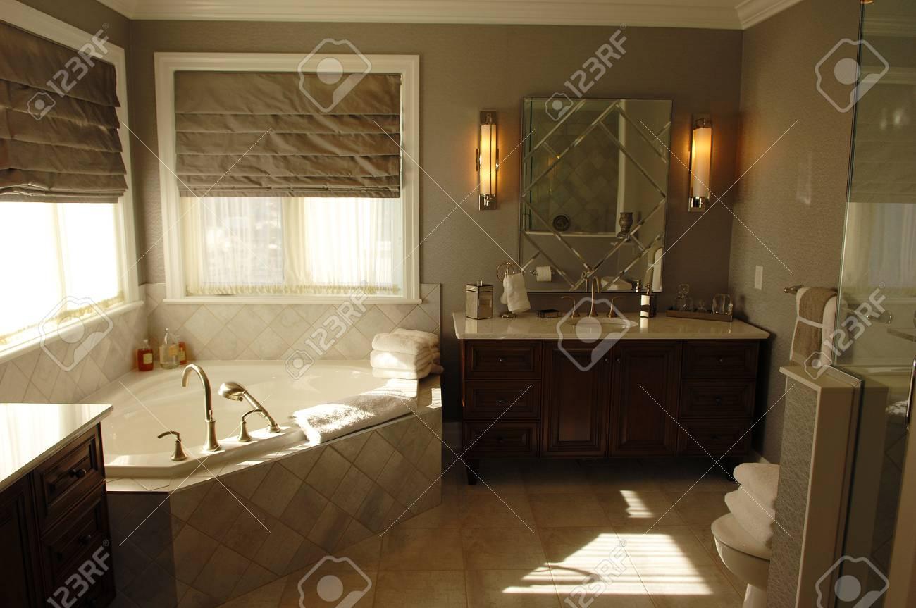 Salle De Bain Ottawa ~ une esp ce tr s belle salle de bain dans une maison mod le ottawa