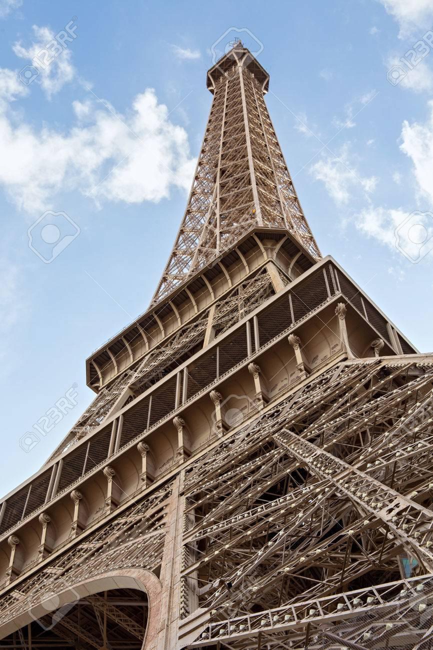 パリのエッフェル塔の詳細のビュー。フランス。エッフェル塔は ...