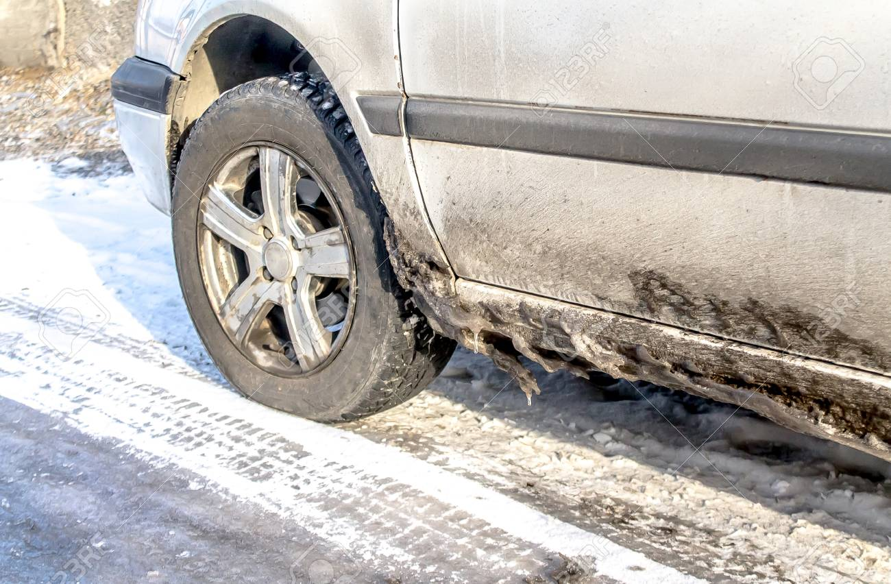 Dirty cars in winter - 93612679