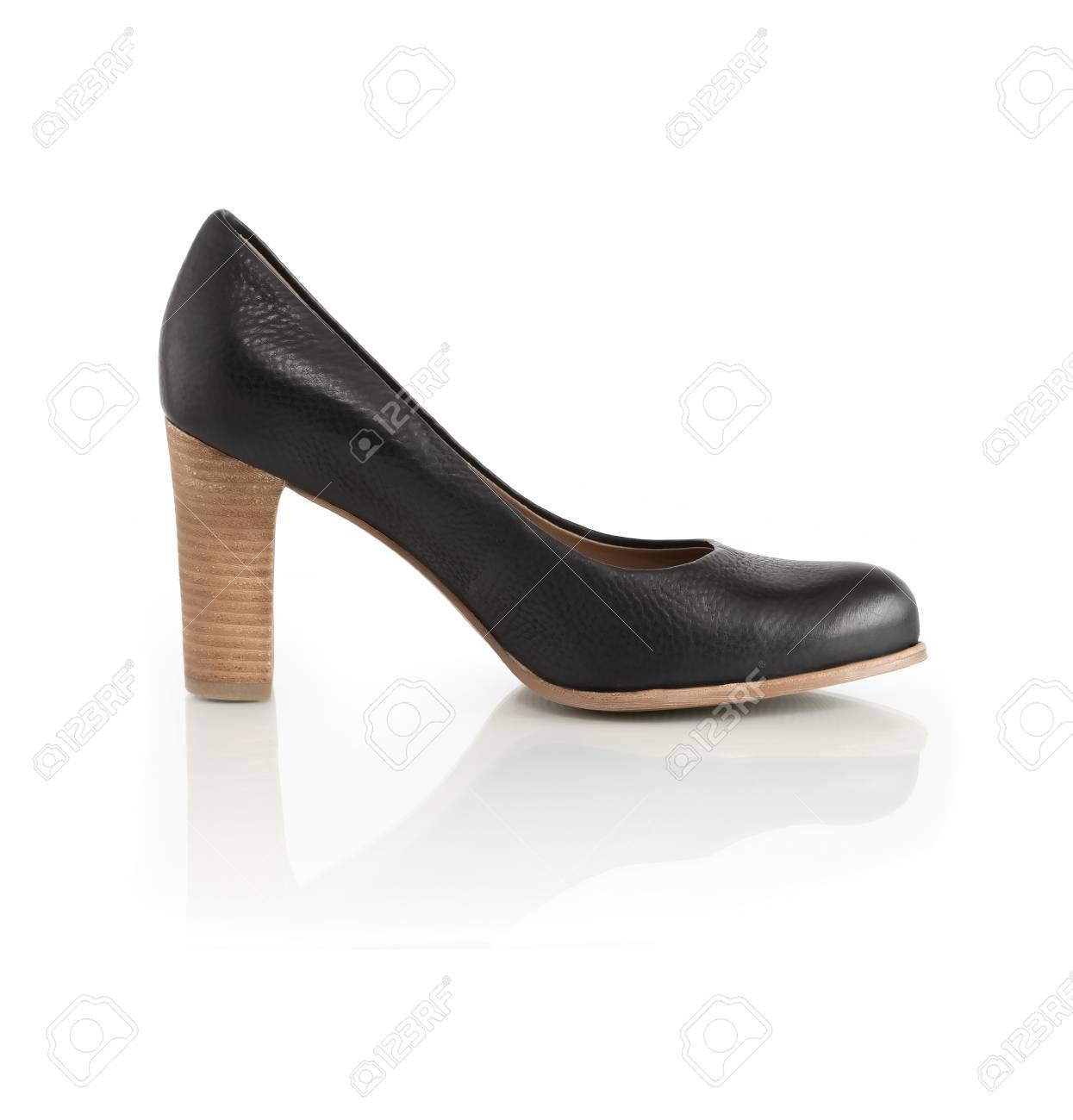 Tacón Negro Sobre Mujer Blanco Un De Con Zapato Cuero Fondo Alto c3TFlJK1