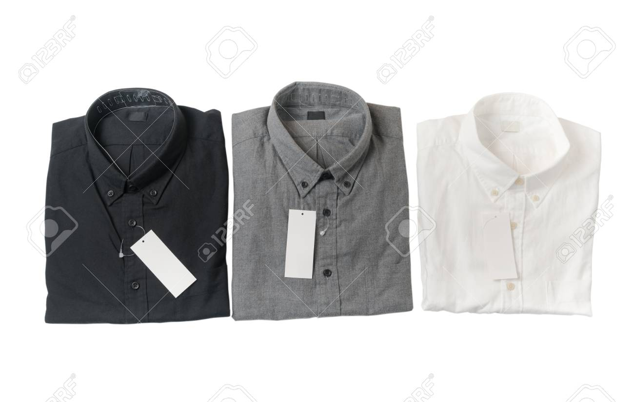 on sale beec5 0a04f Camicia bianca, grigia e nera con cartellino del prezzo in bianco isolato  su priorità bassa bianca.