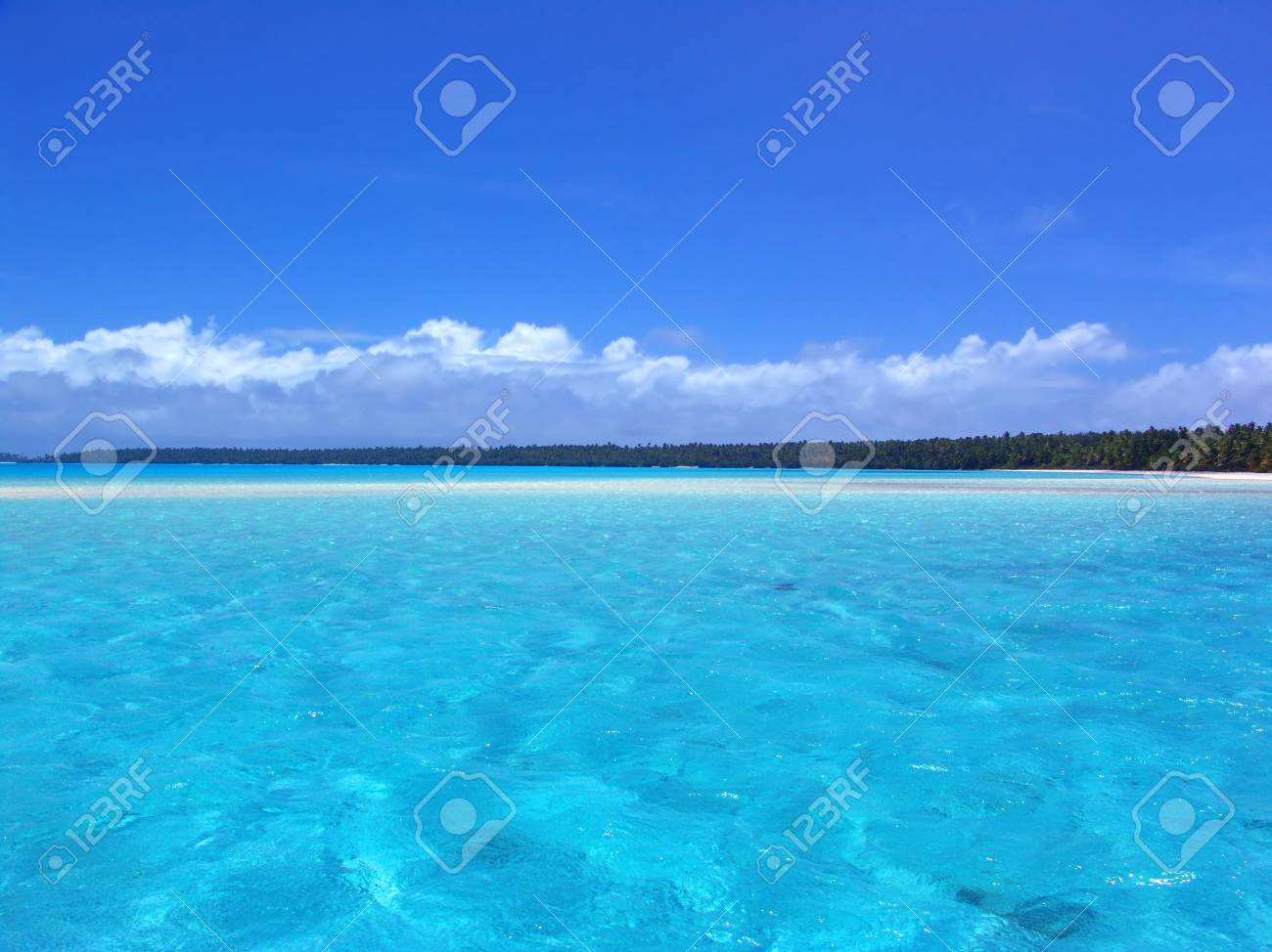 Ripples in Turquoise Lagoon Stock Photo - 207180