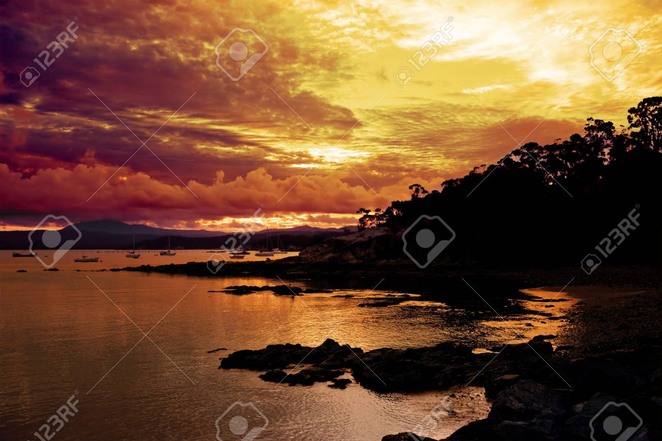 Beautiful Sunset over Eden Stock Photo - 2677025