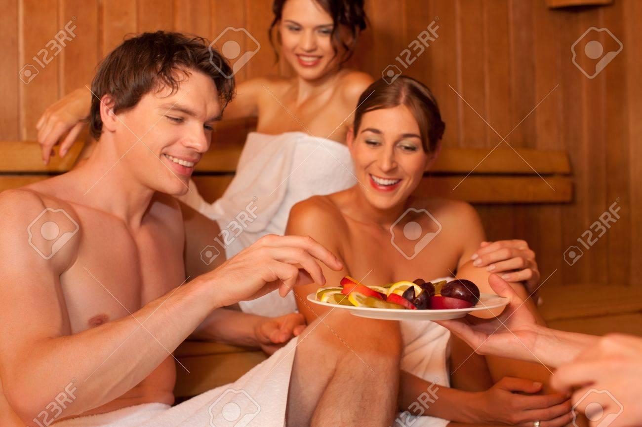у друзей в бане