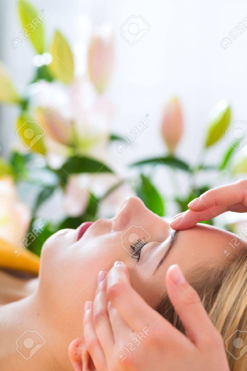 Wellness - woman receiving head or face massage in spa Stock Photo - 20836813