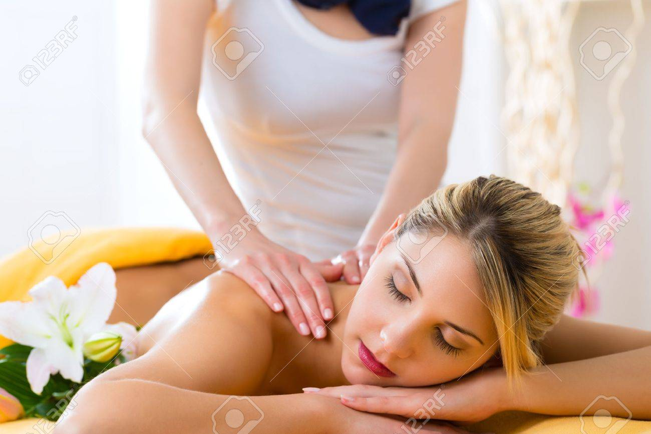 Wellness - woman receiving body or back massage in spa Stock Photo - 20836818