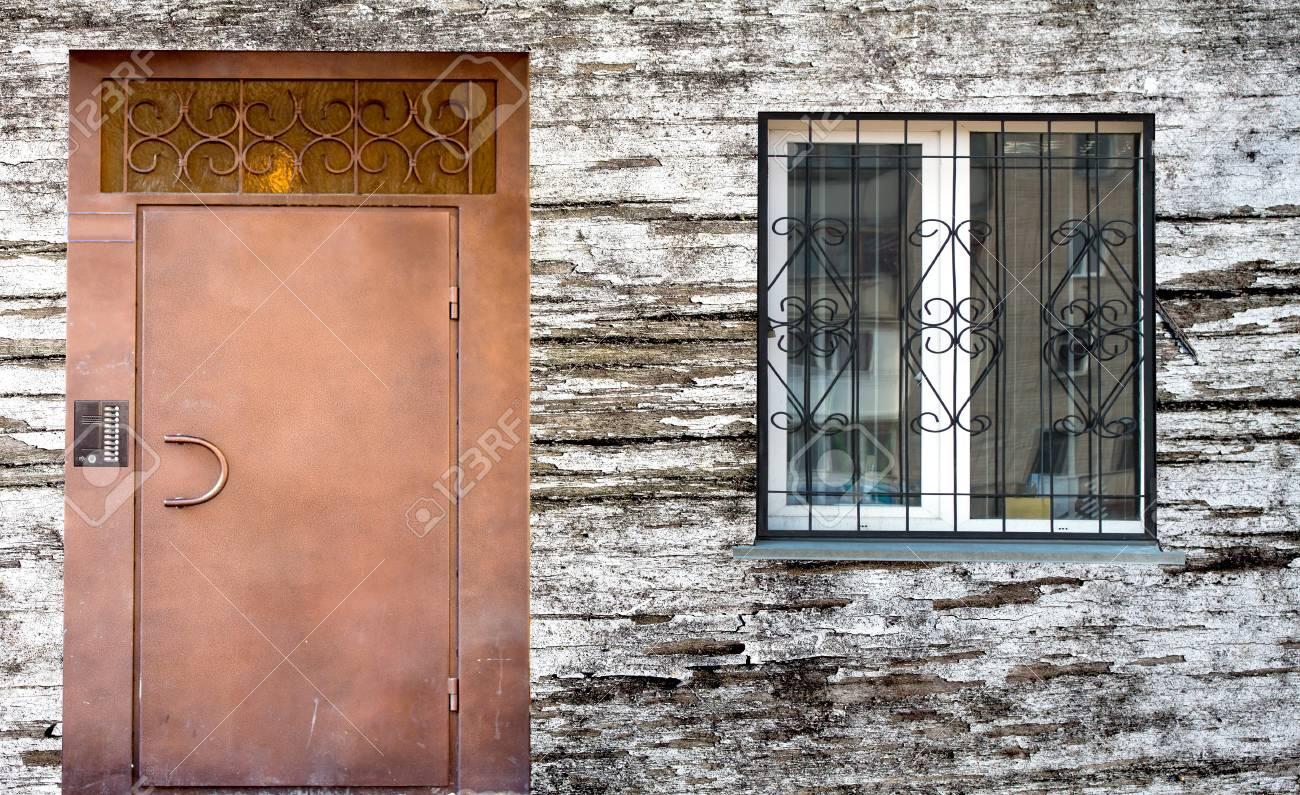 Tur Und Fenster Holz Hintergrund Haus Lizenzfreie Fotos Bilder