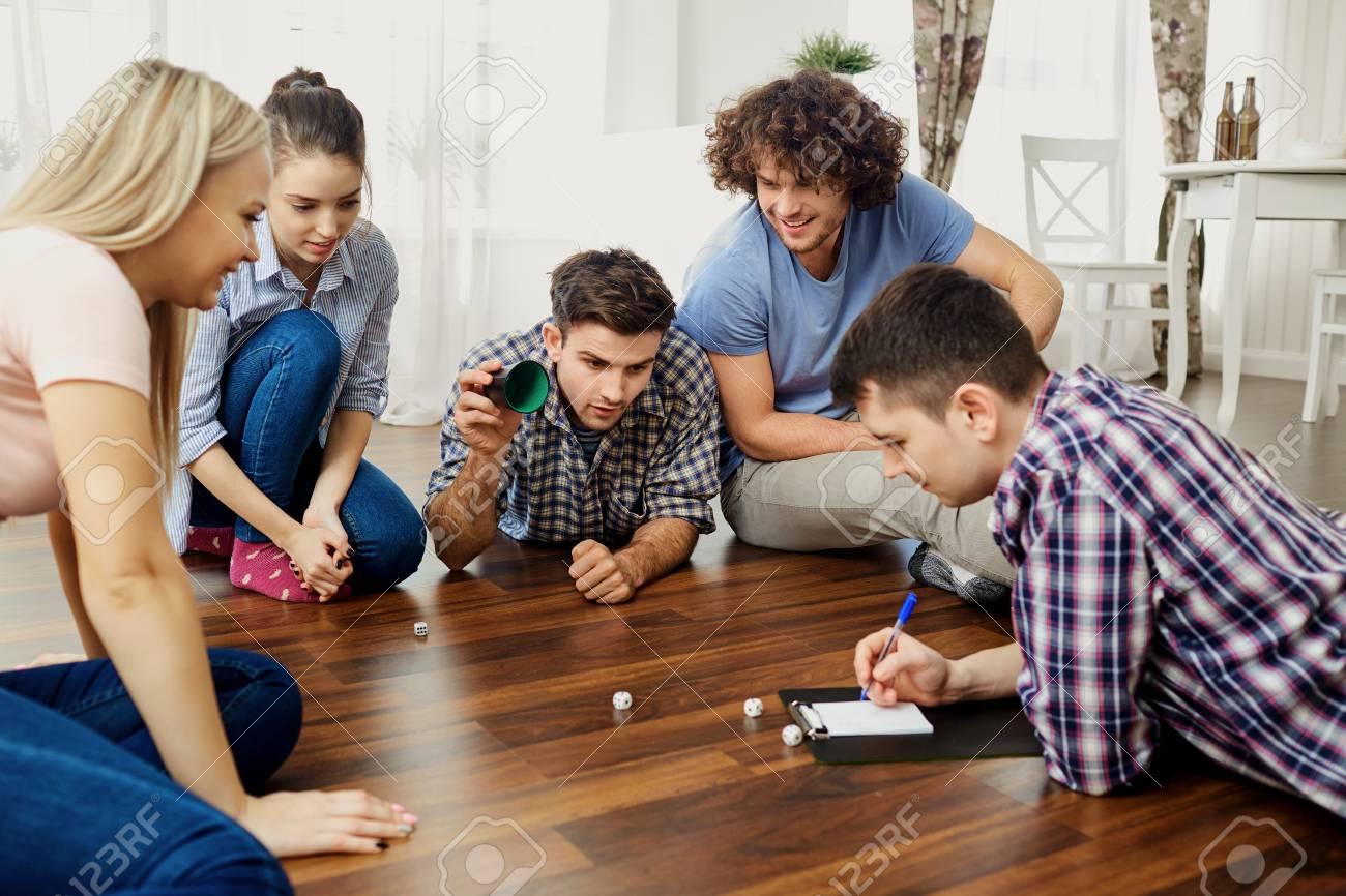 play friends board games