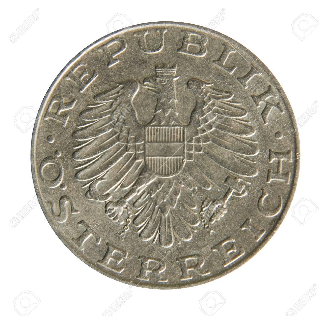 Alte österreichische 10 Schilling Münzen Auf Weißem Hintergrund