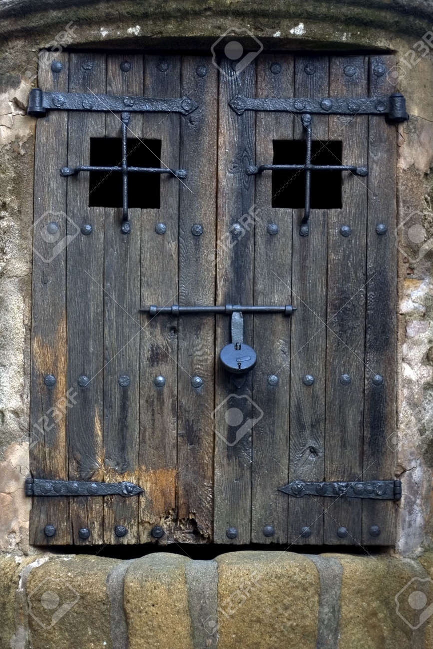 Door in Costa Brava, Catalonia, Spain Stock Photo - 319460