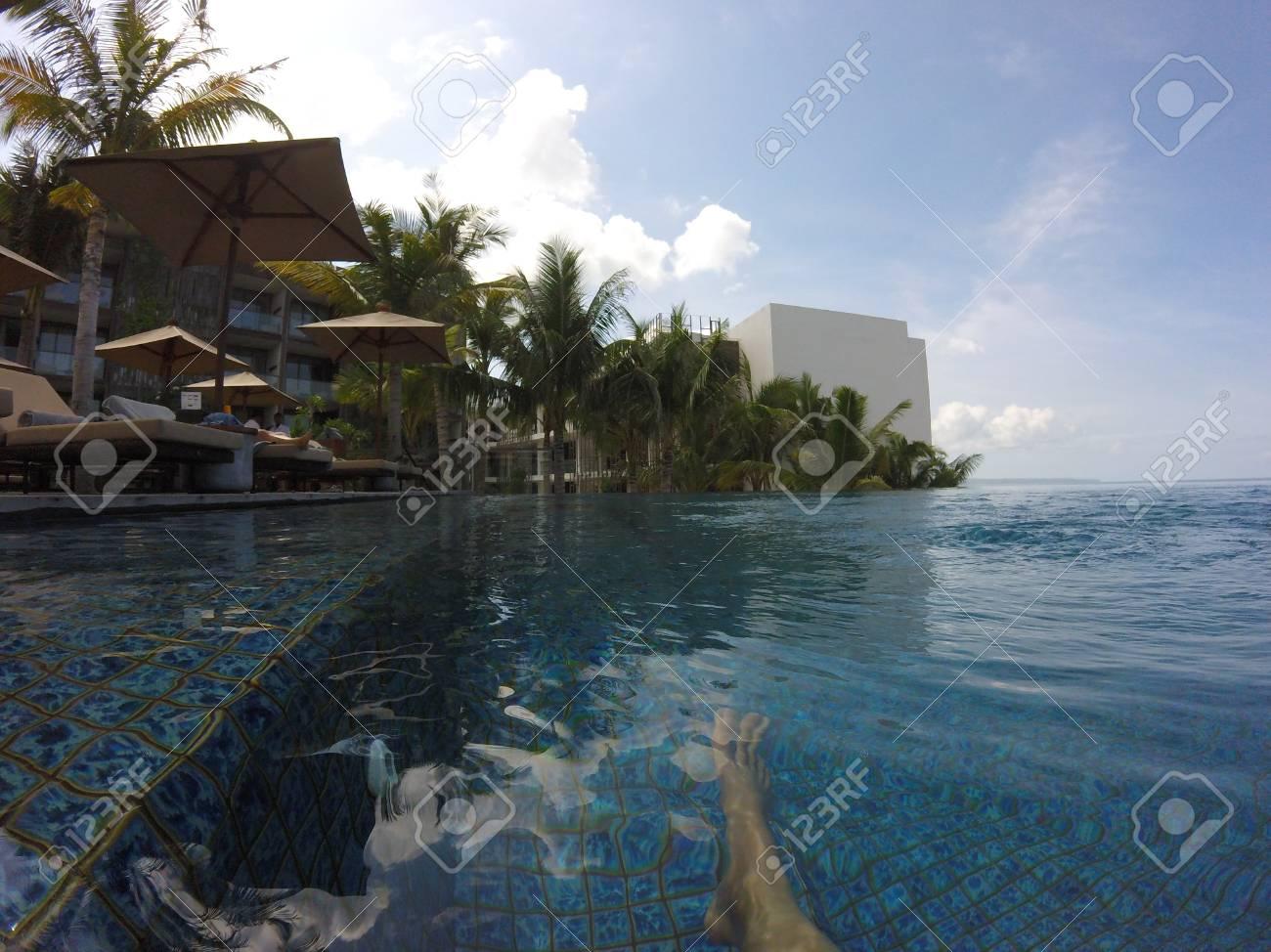 Vue Sur La Piscine A Debordement Sea Ocean Bali Indonesie Piscine