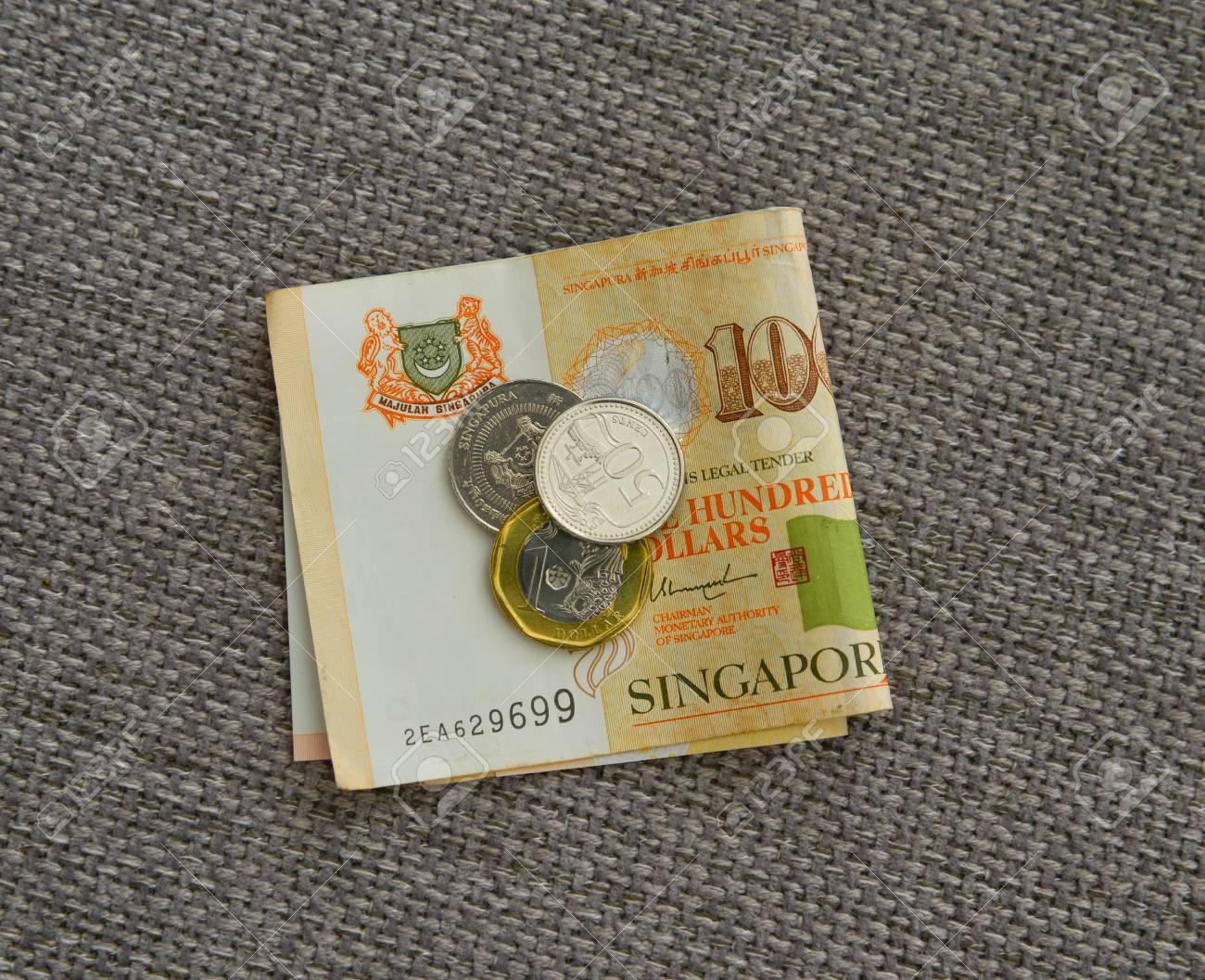 Singapur Dollar Münzen Und Banknoten Auf Leinenstoff Nahansicht