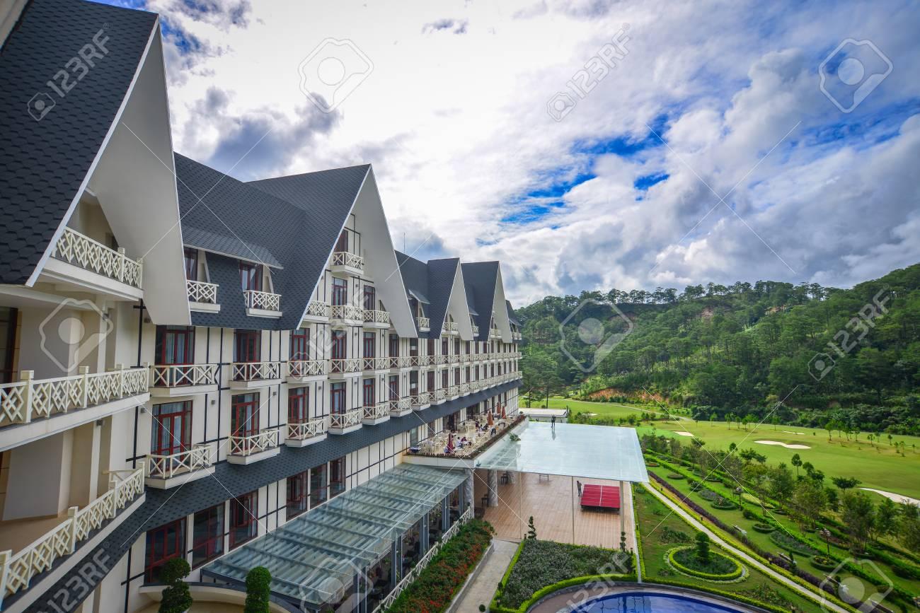 Dalat, Vietnam - 18 agosto 2017 Località di soggiorno di montagna di lusso  ad estate in Dalat, Vietnam. Da Lat è una popolare destinazione turistica,  ...