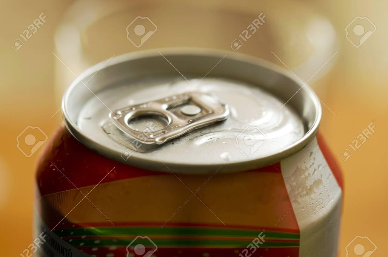tin lid opener - 37465255