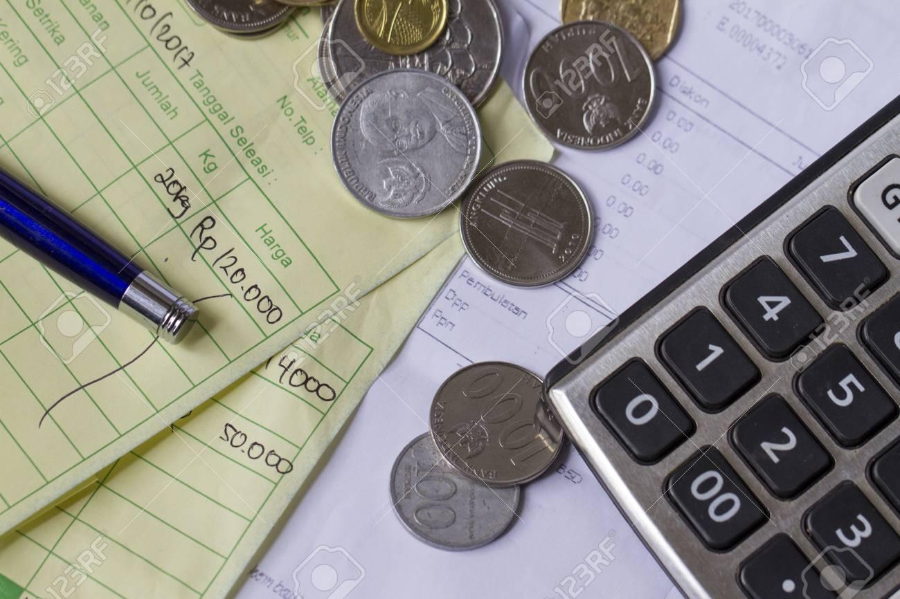 Zahlungsquittungsberechnung Mit Indonesien Rupiah Und Singapur