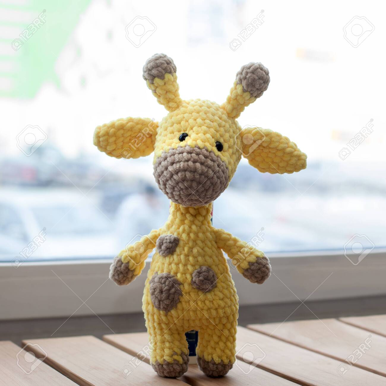 Hoooked DIY Häkel Kit Ziggy Giraffe Amigurumi ECO barbante ... | 1300x1300