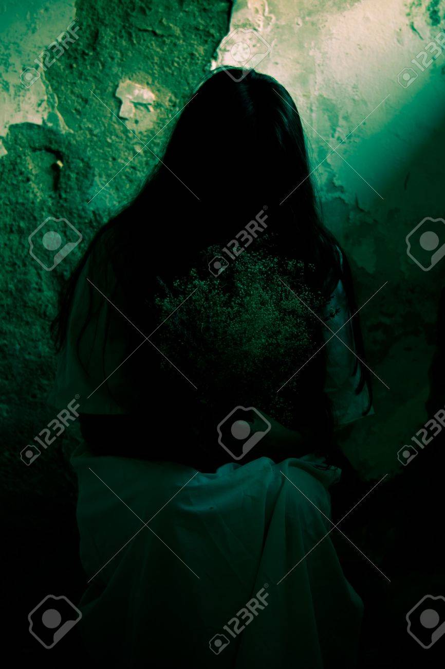 Horror Scene of a Scary Woman Stock Photo - 18206987