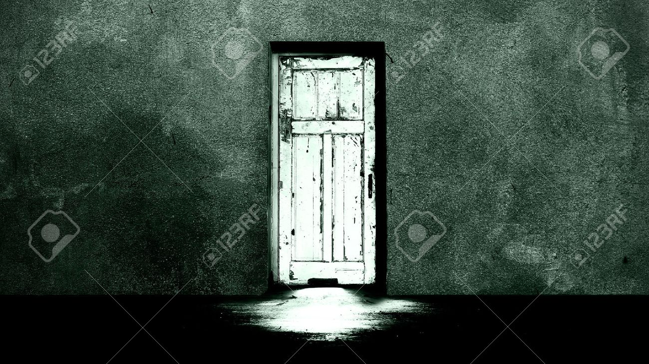 Horror concept mysterious door Stock Photo - 32867287 & Horror Concept Mysterious Door Stock Photo Picture And Royalty ...