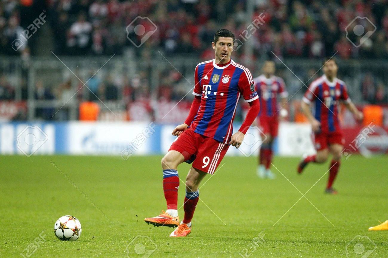 Munich Germany November 5 Robert Lewandowski During The